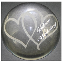 X69225 Glass P. Weight Hearts Silver Anniversary